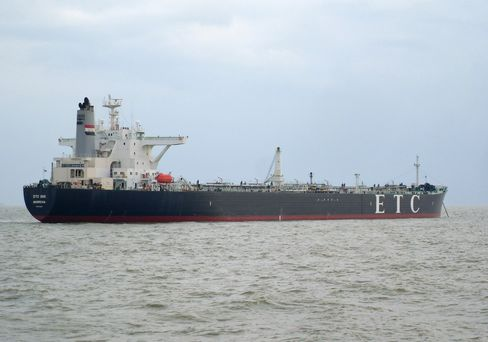 Sudan Crude Marooned Off Singapore Shows Oil Trade as War Victim