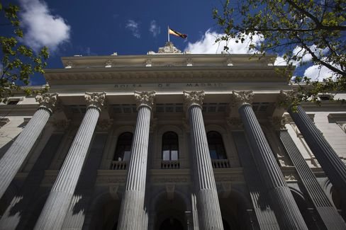 European Stocks Slide as Spain Enters Recession