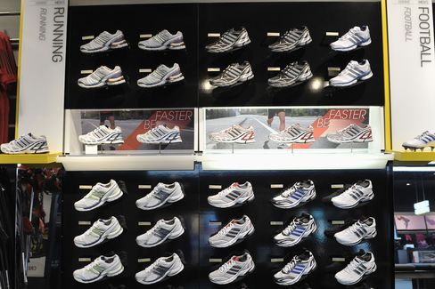 Adidas Sees 2011 Growth on China Rebound, Russian Demand