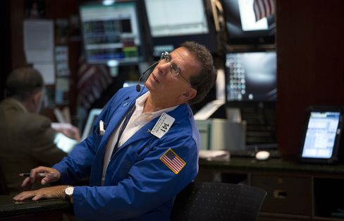 U.S. Stocks Drop as Fed Minutes Show Support for Fall Tapering