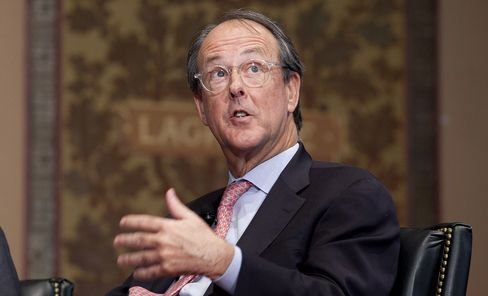Bowles Says U.S. Fiscal Cliff Deal Unlikely by End of This Year