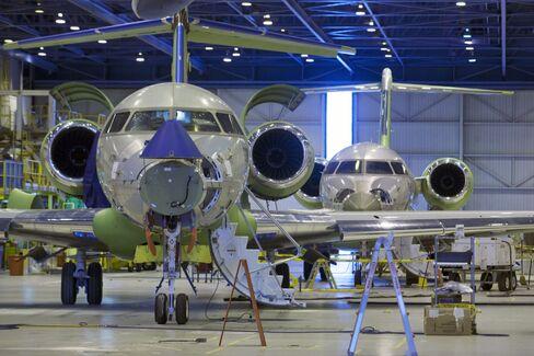 Bombardier Tops Buffett Order With Record $7.8 Billion Jet Deal