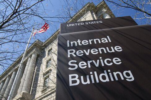 Buffett-Ducking Billionaires Avoid Reporting Cash Gains IRS