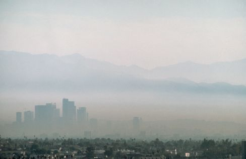 Smog choking the Los Angeles skies, as in this 1989 photo, used to be a common sight.