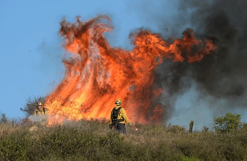California Fire Threatening 4,000 Homes Prompts Evacuations