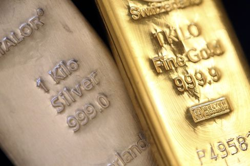 Gold, Silver Slump Most in Three Weeks on Fiscal Cliff Concern