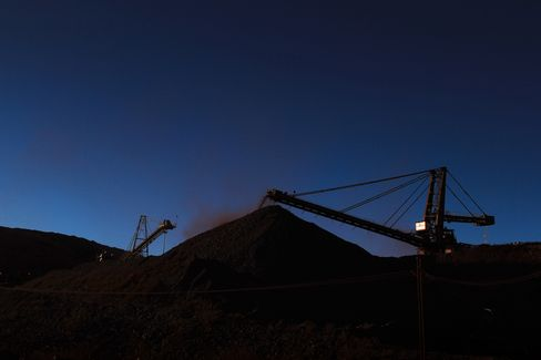 South African Stock Index Rises to Record as Commodities Surge