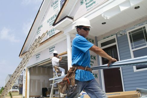 Homebuilder Confidence in U.S. Rose in July to 15 From 13