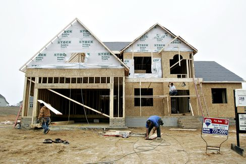 Home Prices in U.S. Decrease More Than Forecast