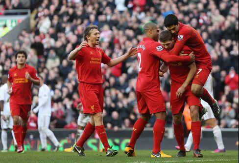 Liverpool Routs Swansea 5-0 in English Soccer's Premi