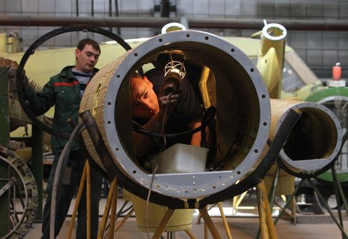 Russia Gets $4.2 Billion Arms Deals With Iraq, Rivals U.S.