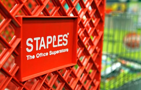 Staples Rises Amid Talk of OfficeMax-Office Depot Merger