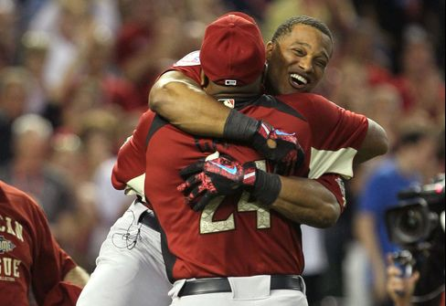 Yankees' Cano Wins Home Run Derby Title Teaming With His Dad