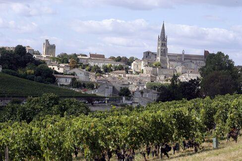 Chateau Angelus '07 Saint-Emilion Reaches Record After Promotion