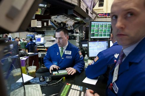 U.S. Stocks Decline on Global Economic Concern