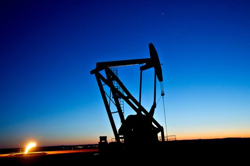 OPEC Sees U.S. Shale Boom Eroding Demand for Its Crude in 2014