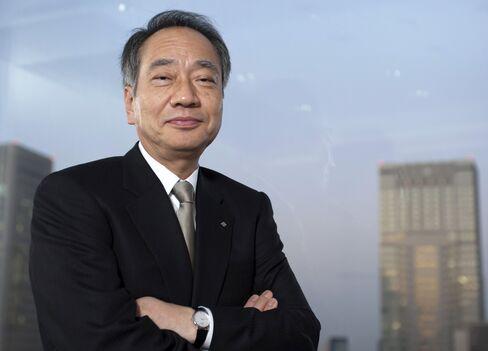 Sumitomo Mitsui Trust Holding Chairman Hitoshi Tsunekage