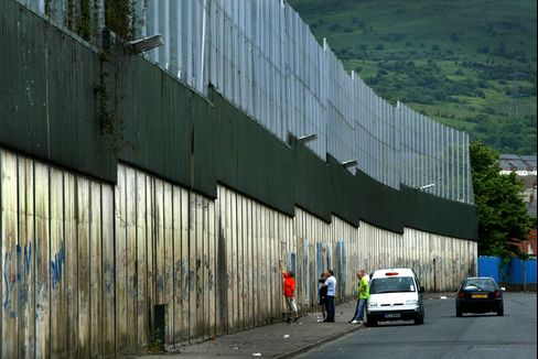 Obama's Plea For End of Belfast's Walls Answered by Petrol Bombs