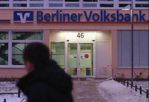 Mystery Bank Heist Is Flashback to Berlin's Murky Underworld