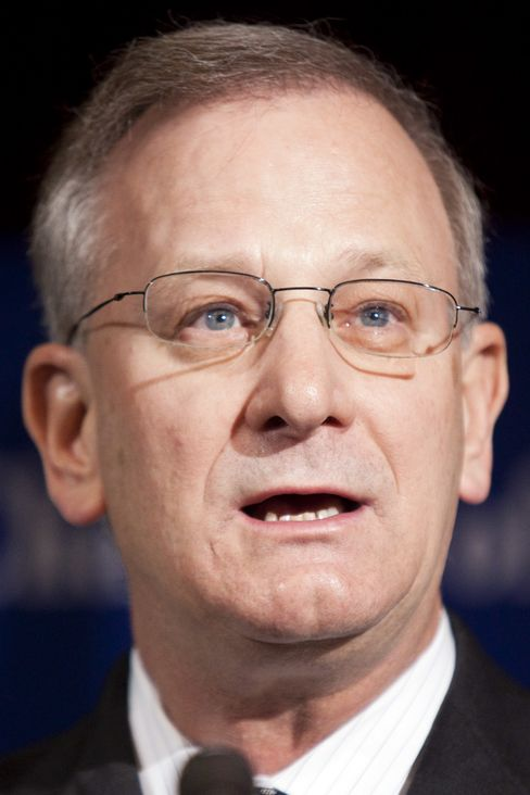 Thomas Hoenig, president of the Federal Reserve Bank of Kansas City. Photographer: Brendan Hoffman/Bloomberg