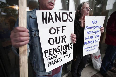 Pension Shortfalls in U.S. Scrutinized After Detroit Bankruptcy