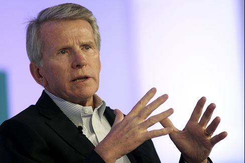 Former Oracle Corp. President Ray Lane was known as a savvy operator who remade the software company's sales force to emphasize long-term relationships instead of short-term deals, bolstering ties with important customers. Photographer: Jonathan Alcorn/Bloomberg