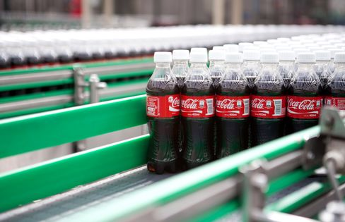 UBS-Arranged $76 Million Coke Femsa Trade Said Probed by Mexico