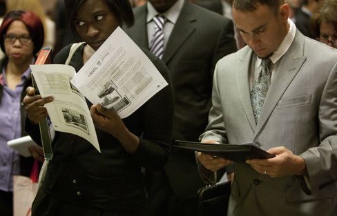 Jobless Claims in U.S. Fall More Than Forecast to One-Month Low