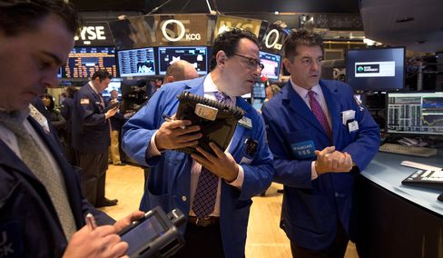 U.S. Stocks Decline on Concern Over Valuations, Stimulus Cuts