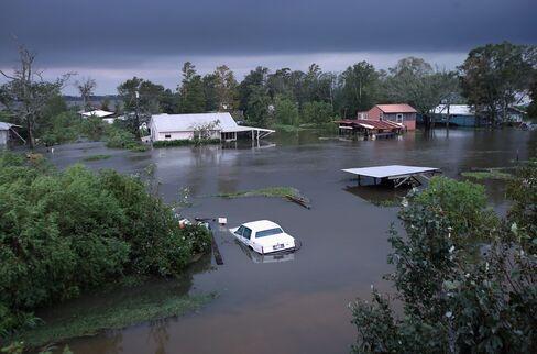 Hurricane Isaac May Cost Insurers $2 Billion, Modeler Says