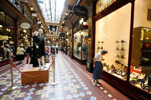 Australia's Retail Sales Decline, Sending Currency Lower