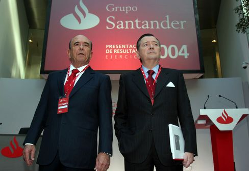 Santander CEO, Chairman May Face Grilling on Capital
