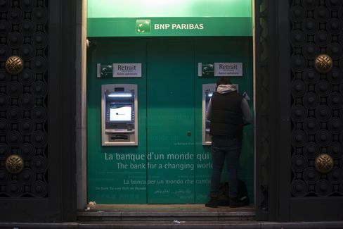 European Stocks Fall for Second Day; BNP Paribas Drop