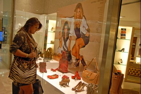 Prada Buyers Beating Middle Class for Iguatemi