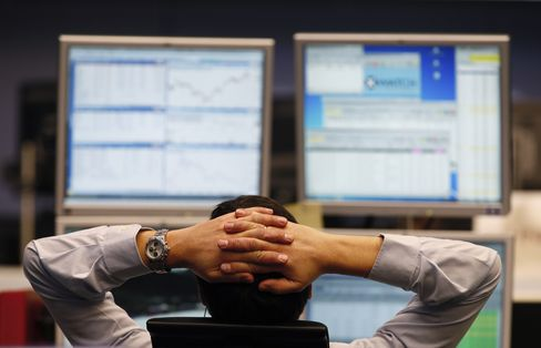 European Stocks Climb for Second Day as Italian Bonds Advance