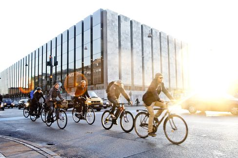 Danes as Most-Indebted People in World Resist Credit: Mortgages