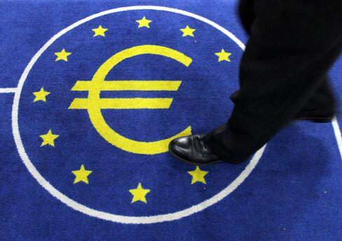Europeans See Crisis Near End, Bernanke Warns on Recovery