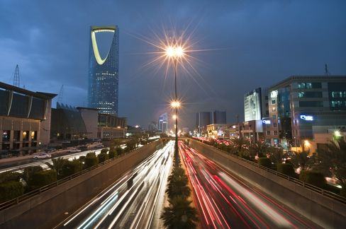 VTB Weighs Saudi Equity as Morgan Stanley Shifts From Dubai