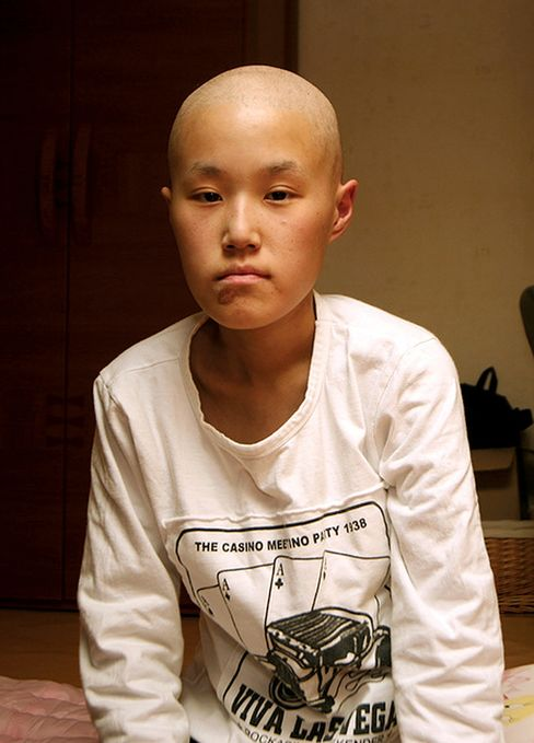 Hwang Yu-mi at home, a few months before her death from leukemia on March 6, 2007.