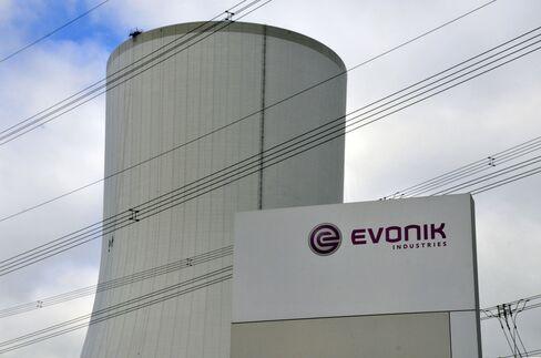 Deutsche Bank, Goldman Miss $129 Million Fee in Evonik IPO Snub