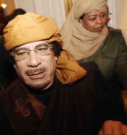 Qaddafi Unites Arabs Against Him in Campaign