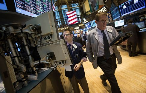 U.S. Stock-Index Futures Drop After Increase in Jobless Claims
