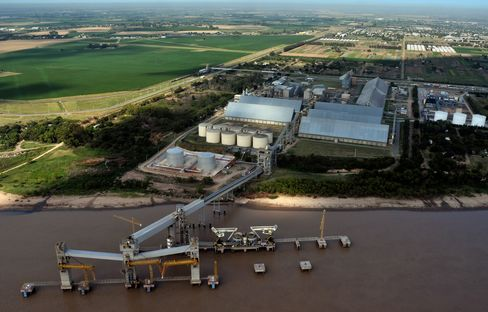 Cargill to Stop Using Fuel-Inefficient Ships to Curb Emissions