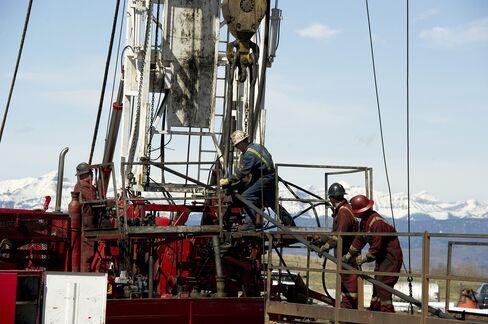 Canada Seen Beating U.S. in $150 Billion Asia LNG Race