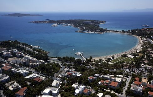National Bank of Greece and State Seek Resort Sale to Raise Cash