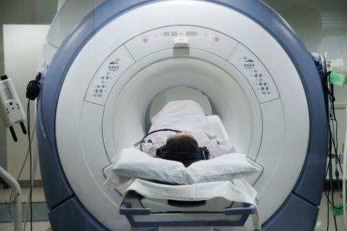 Samsung in Talks to Buy X-Ray Makers to Take on GE, Siemens