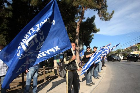 Fascist Salutes Return to Greece as Anti-Immigrants Chase Voters