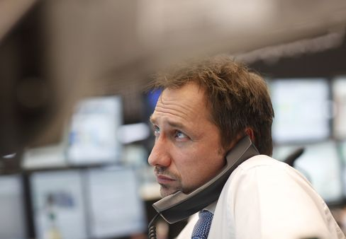 European Stocks Decline Third Day in Four on China Manufacturing