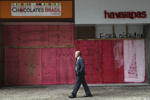 Riots Scaring Away Shoppers Erode Retail Sales