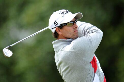 Scott Leads Major Winners After Record-Tying British Open Start